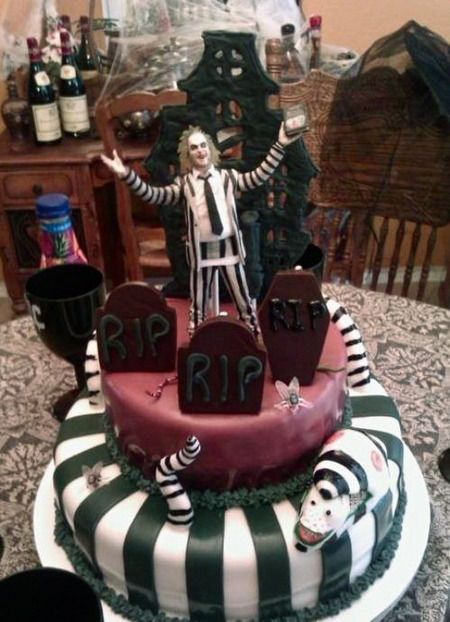 beetlejuice cake awesome beetle juicebeetlestim burtonfun recipeshalloween - Tim Burton Halloween Decorations