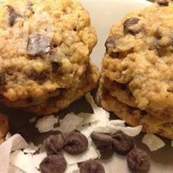 Biscuits gruau, noix de coco, noix et pépites de chocolat @ qc.allrecipes.ca