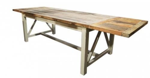 Røft spisebord produsert av resirkulert alm i vår Java møbelserie. Bordet har en pen fargekombinasjon med naturtopp og antikkhvitt understell!    Mål:Bredde 300/200 cmDybde 100 cmHøyde 78 cmFarge:Natur / antikkhvitVedlikehold:Vi anbefaler bruk avDanish Oil. Oljen reduserer sprekker, smuss, forenkler renhold og tilfører mer fuktighet til trevirket, påføres umiddelbart.Som et alternativ til oljen kan vi anbefale bruk avAntikvax.Varenummer:690115Denne varen er produse...