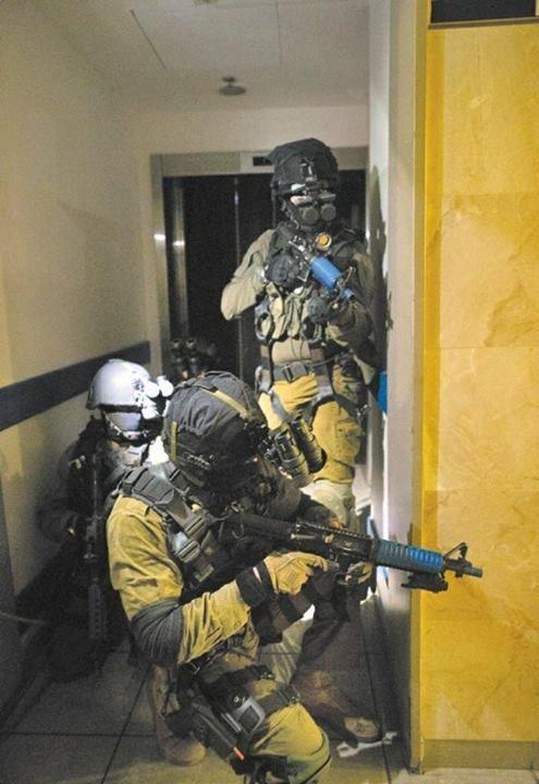 Israeli navy's Shayetet 13 commandos in counter terrorism training