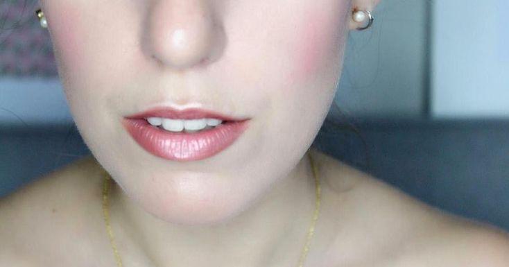 Cómo dar volumen a los labios finos con maquillaje