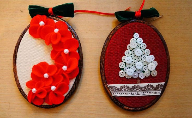 Christmas decoration on oval embroidery hoop