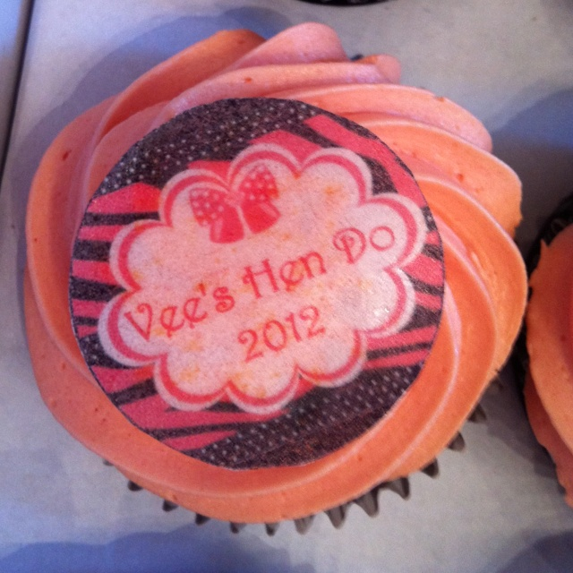 Helens fab cupcakes for vees hen do