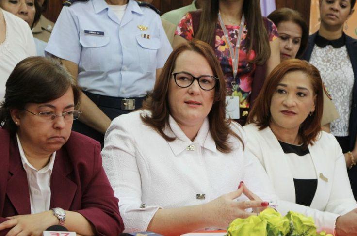 """Ministra De La Mujer Está """"preocupada"""" Por Que Quieren Eliminar El Ministerio De La Mujer"""