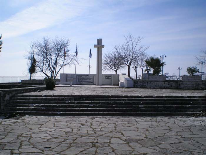 Memorial Monument to the Battle of Peta/ Μνημείο Πεσόντων στη Μάχη του Πέτα
