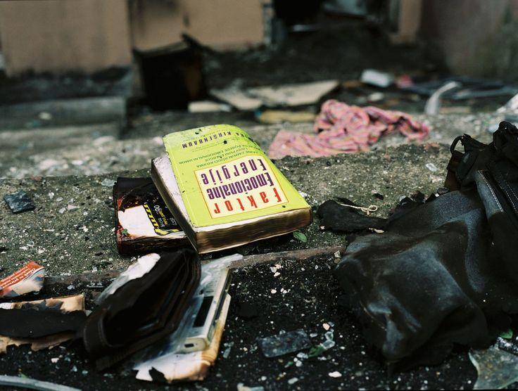Autoportraits sur scènes de crime   VICE   France