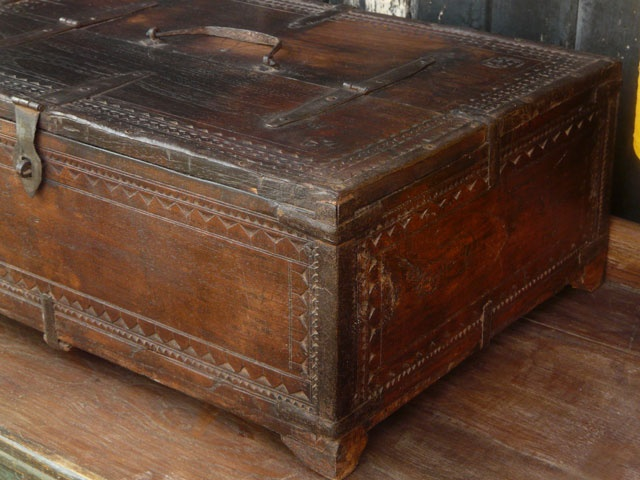 86 best Old trunks, suitcases & chests images on Pinterest ...
