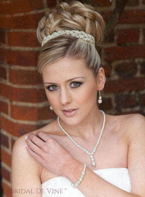 Fleur    Simple Classic Bridal Jewellery Set     Made with sparkly diamante encrusted beads and Glass Pearls with silver plated findings.