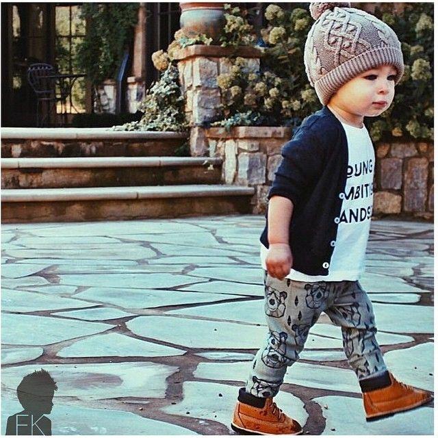 #postmyfashionkid hat: @gapkids Tshirt: @littlebanditosthreads Leggings @littlenuggetrepublic Boots @timberland #fashionkids WWW.FASHIONKIDS.NU
