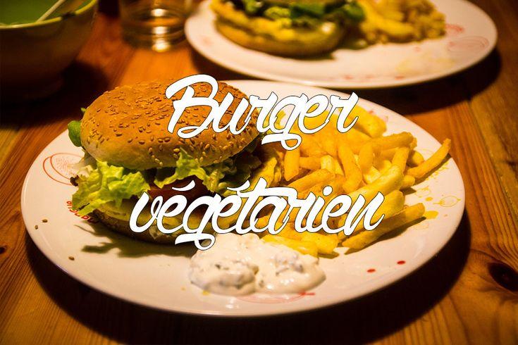 On vous propose notre recette de burger végétarien pour vous faire des soirées burgers sans viande :D Des burgers sans steak et sans ingrédients farfelus !