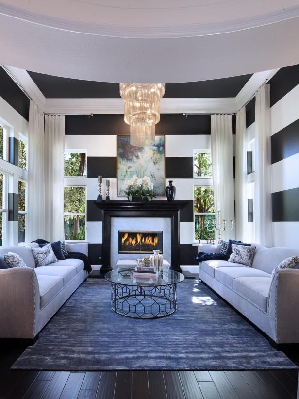 Blue White A Classic Color Combo Hgtv S Defend The Trend 2018 Hgtv Living Room Designs Living Room Design Modern Room Design