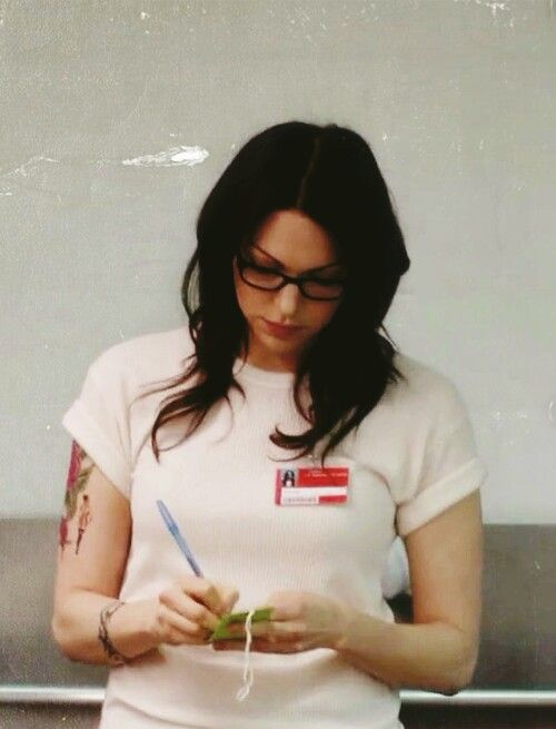 Laura Prepon, orange is the new black, the tattoos and the glasses
