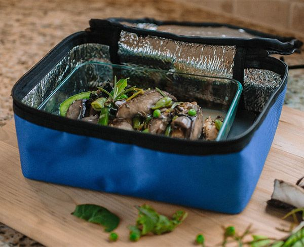 This lunchbox is a mini oven that warms up your food while you work.