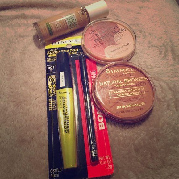Rimmel makeup bundle Comes with bronzer, blush, mascara, eyeliner and foundation  (330 Sand) Makeup Blush