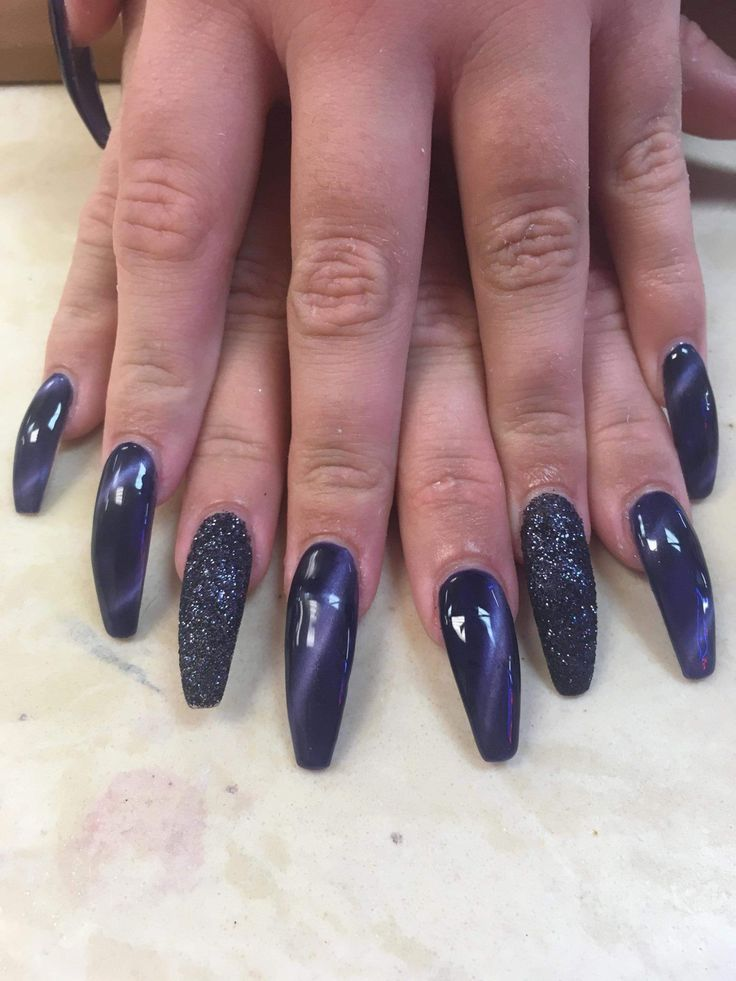 how to apply acrylic nails to fake hand