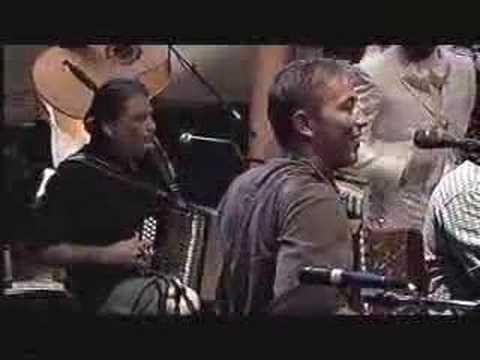 Rowwen Heze (here with Los Lobos) - Anselma/ Bestel mar, such cheer!