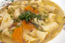 Hurkatészta leves