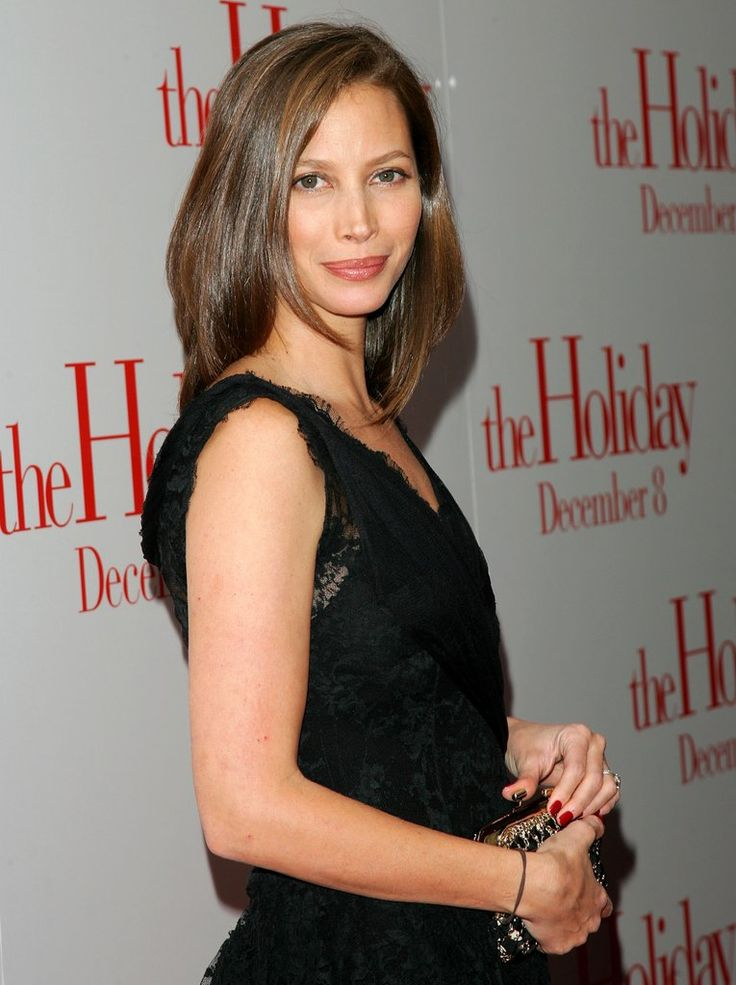 36 Pictures That Show Christy Turlington Might Have Found the Fountain of Youth