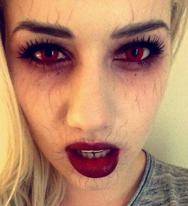 Vampire inspired make up done by Cecilie Bukkholm at California Nails & Beauty Lounge #californianails #beautylounge #halloween #halloweennails #halloweenmakeup #negler #nails #mua #makeup #nailart #vippe #lashextensions #vampire #thevampirediaries #vampiremakeup #tvd