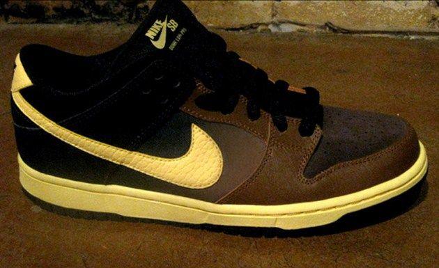 Nike SB Dunk Low QS – Black and Tan