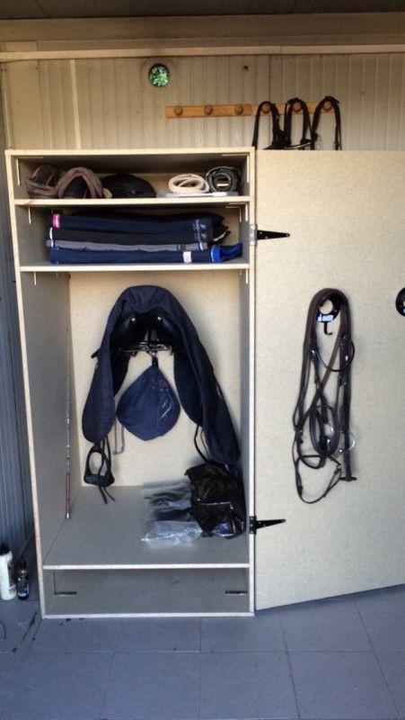 17 meilleures id es propos de sellerie equitation sur. Black Bedroom Furniture Sets. Home Design Ideas