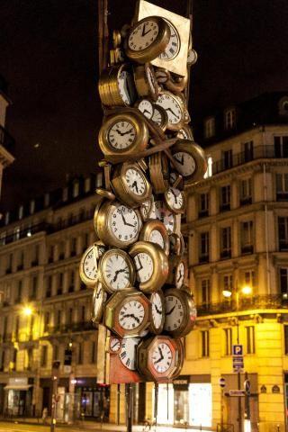 Arman - L'heure de tous - Gare Paris Saint Lazare, Paris