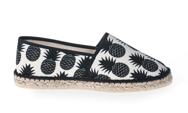 Espadrille Ananas #ananas #pineapple #espadrille #shoes #ladies #dames #womenshoes #spring #summer  Shop now: http://www.studioreve.nl/product/espadrille-ananas/