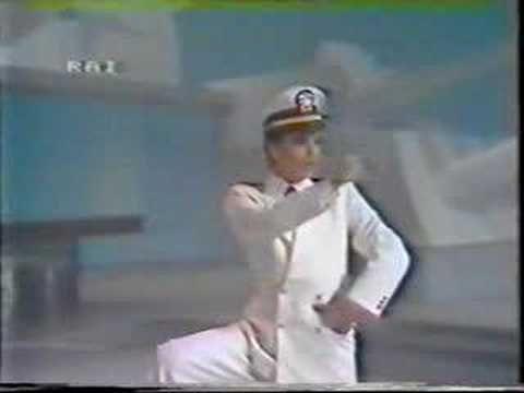 Renato Zero - La fregata - YouTube