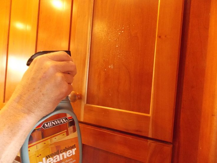 tips to clean your kitchen cabinets