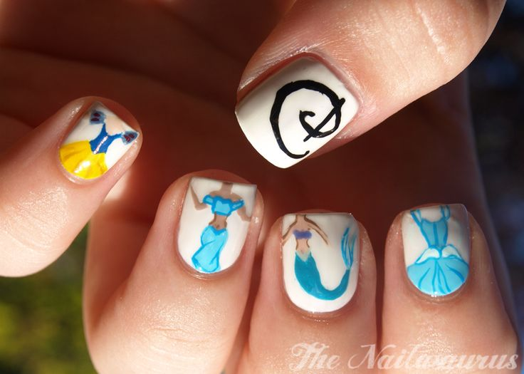 Disney Princes Nail Art - Pinky to Thumb: Snow White, Jasmine, Ariel, Cinderella, 'D' for Disney