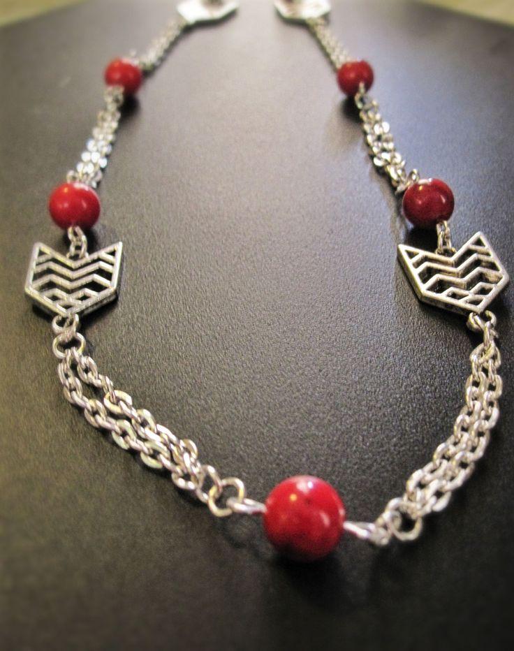 Collier de corail rouge à motifs aztèques de la boutique TheAsaliahShop sur Etsy