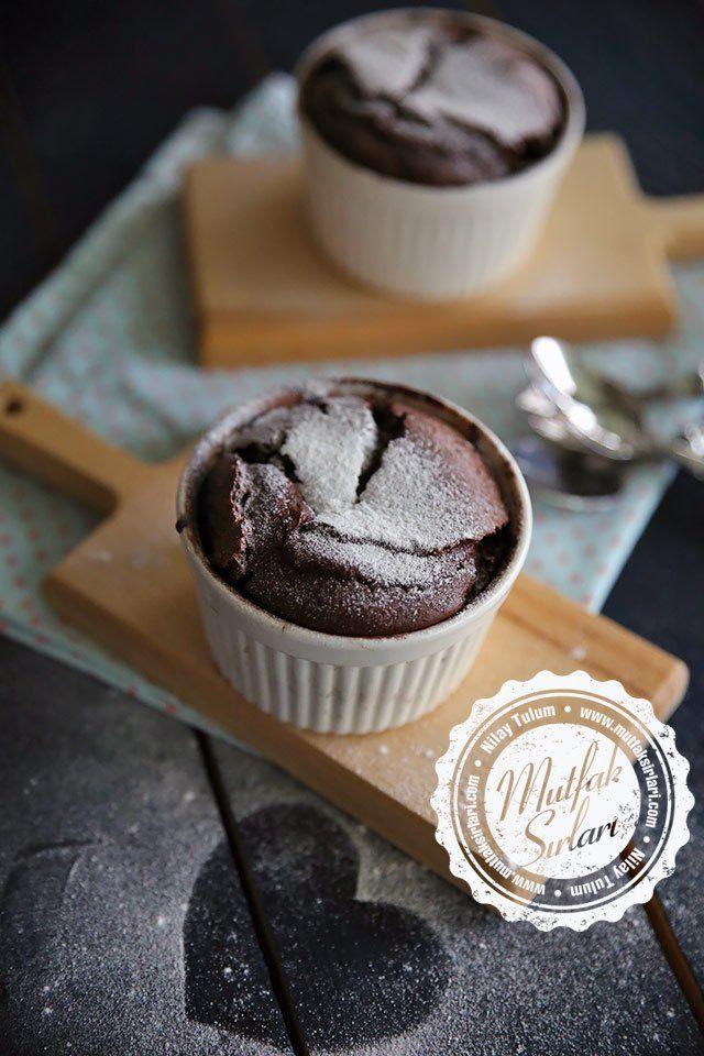 Çikolatalı Sufle nasıl yapılır ? Ayrıca size fikir verecek 4 yorum var. Tarifin püf noktaları, binlerce yemek tarifi ve daha fazlası...