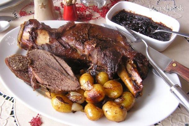 Pečená divina, glazované zemiaky a slivkové čatní (fotorecept) - marinada a pecenie vcelku