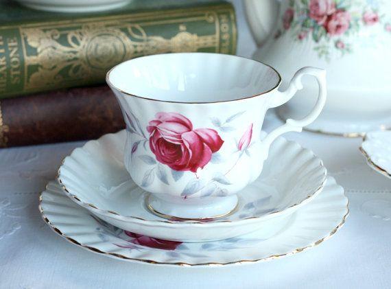 VOOR PAPAVER GERESERVEERD Pretty Royal Albert kopje thee, schotel en plaat: Prelude theeset in Klassieke Montrose Vorm, IDEAAL for a u ...
