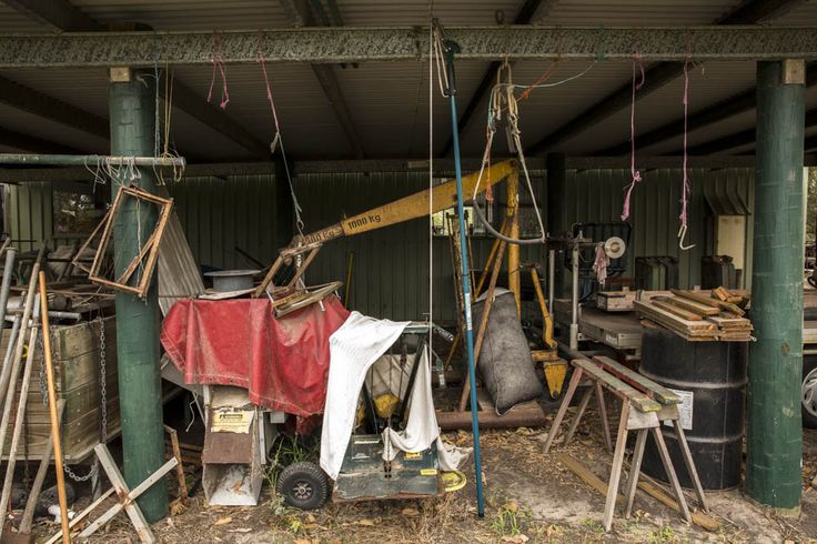 This is the 'full' part to my other work. i think this image has a lot of character and displays the different aspects go having a farm.