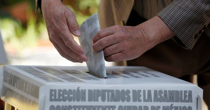 Officials in Veracruz – the biggest prize in the gubernatorial races – report home attack, kidnapping and threatening text messages warning people not to vote
