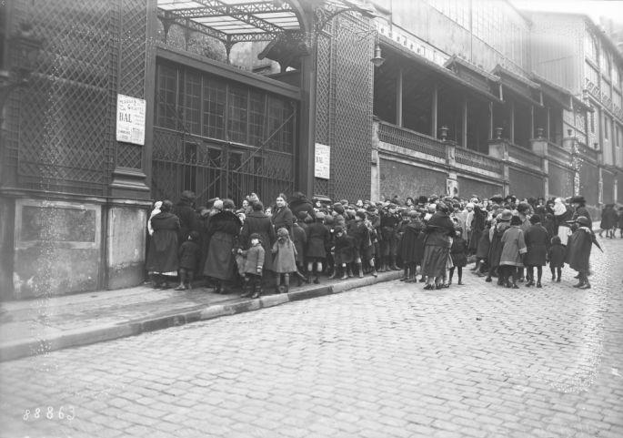 27/12/1923, Noël des gosses à Poulbot au Moulin de la Galette | Photographie de presse : Agence Rol