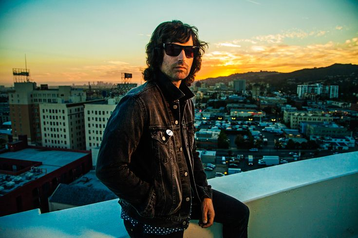 Enjoy a beautiful night of music with Pete Yorn at El Rey Theatre on Weds October 5!