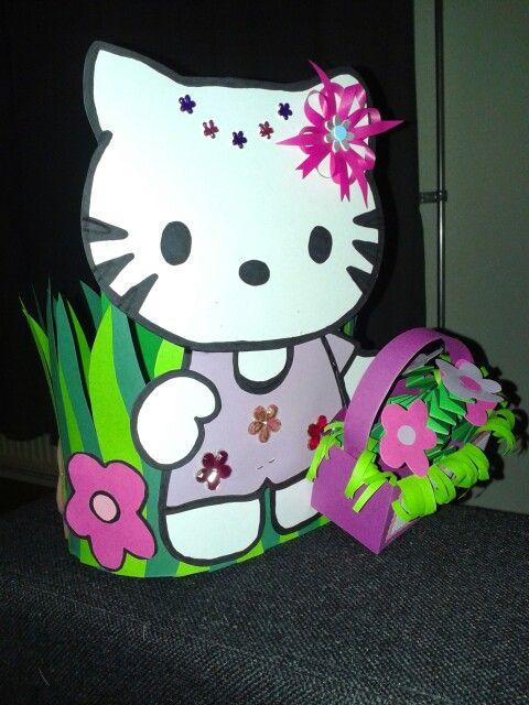 Hello Kitty met bloemenmandje