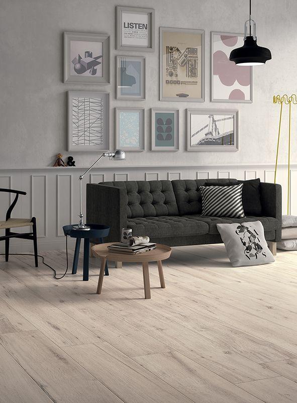 Prachtige keramische houten vloer in licht eiken..