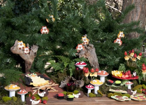 Fantasy forest party: Your little one will love this enchanting fantasy forest theme, where cure creatures peek out from behind giant toadstools.