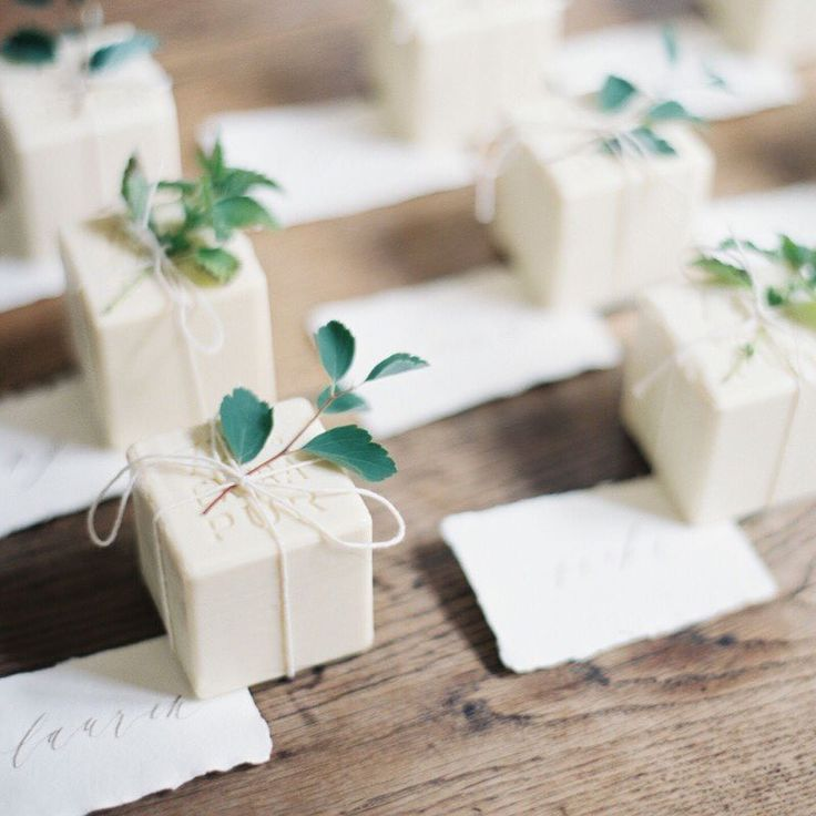 Looking for ways to package your wedding favors? These French olive oil soaps were packaged perfectly for #theartistholiday welcome dinner hosted by @jenhuangphoto and @kurtboomerphoto | styling @ginnyau | florals @amy_merrick | rentals @borrowedblu | calligraphy @writtenwordcalligraphy