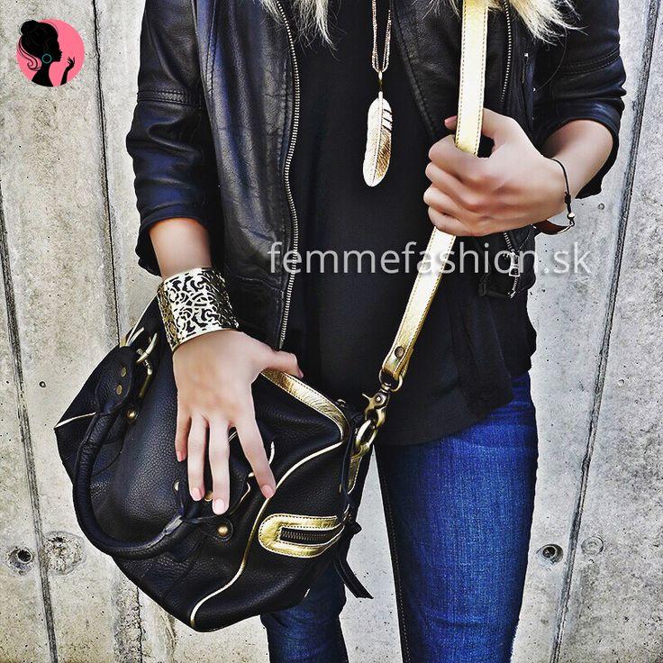 1. Tričko značky Style & Dirt Kate Moss  http://femmefashion.sk/style-dirt/2626-tricko-kate-moss-.html 2. Kabelka Blackout http://femmefashion.sk/kabelky/2515-kabelka-blackout.html 3. Náramok Emerald Black http://femmefashion.sk/naramky/2662-naramok-emerald-black.html 4. Náhrdelník Gold Leaf  http://femmefashion.sk/nahrdelniky/2661-nahrdelnik-gold-leaf-.html 5. Náramok Gold Leaf  http://femmefashion.sk/naramky/2457-naramok-gold-leaf-.html
