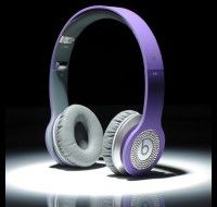 From: http://www.beatsnd.com/beats-by-dre-solo-hd-high-definition-on-ear-headphones-purple-with-diamond-254172 Available in White and Black Should you like items around the lighter side, in addition to the traditional #Beats by Dr. Dre black, #Solos also can be found in white. #Monster Clear Cloth Ultra-soft cleaning cloth with AEGIS microbe protect cleans Solo's complete and controls germs.