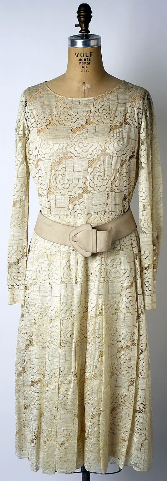House of Dior (French, founded 1947) Designer: Marc Bohan (French, born 1926) Date: fall/winter 1970–71 Culture: French Medium: silk, leather Dimensions: Length at CB (a): 44 1/2 in. (113 cm) Credit Line: Gift of Mrs. Gerald Van der Kamp, 1979 Accession Number: 1979.167a–d