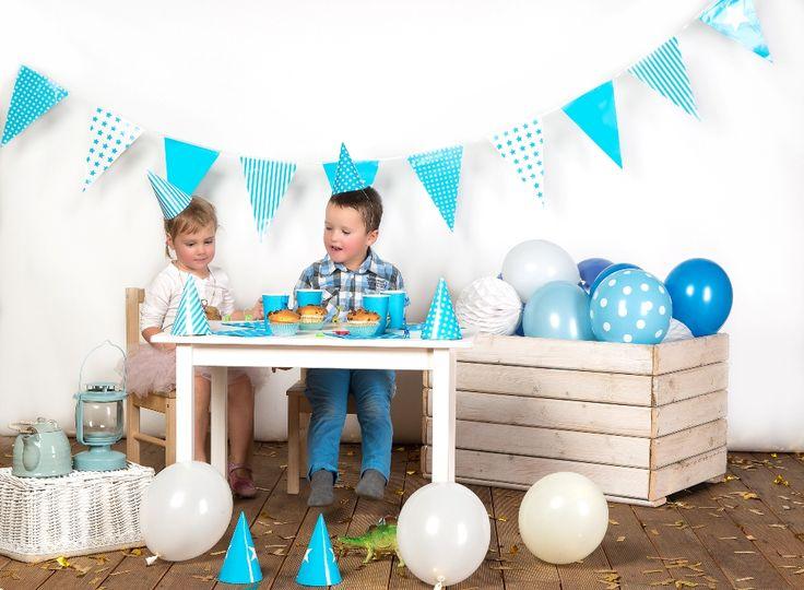 Dekoracje urodzinowe w kolorach błękitnych. Party dekoracje wykonane dla partybudziki.pl