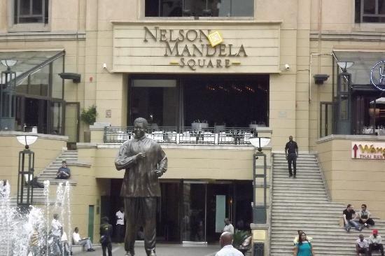 Nelson Mandela Square - Sandton - Reviews of Nelson Mandela Square