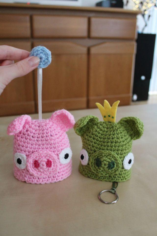Kijk wat ik gevonden heb op Freubelweb.nl https://www.freubelweb.nl/freubel-zelf/zelf-maken-met-haakkatoen-sleutelhoes-varken/
