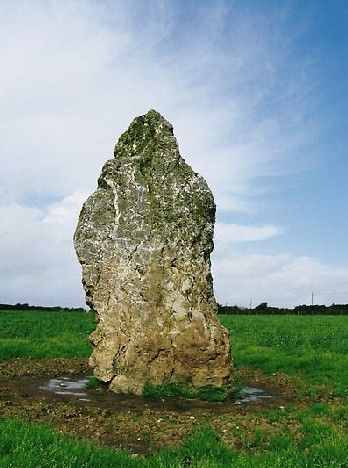 WATER MUSIC STONE (early September 2008) | Cornwall: 'This quartz stone stands nearly 12 feet tall. It stands in a field adjoining a caravan and campsite near the village of Rumford, Padstow, in an area dotted with Bronze Age barrows. The stone is lined with bands of white quartz.'     ✫ღ⊰n