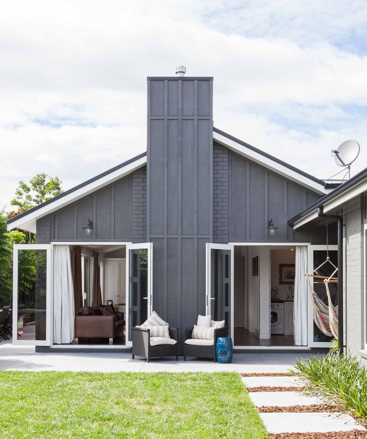Best 25 board and batten cladding ideas on pinterest steel siding farmhouse outdoor Exterior board and batten spacing